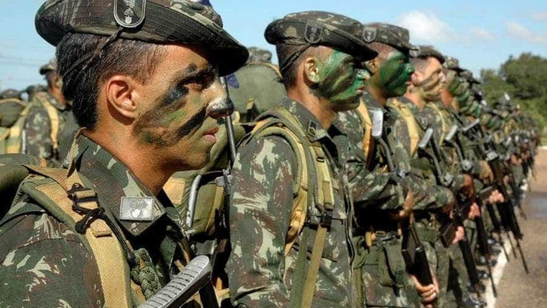 Chega ao Brasil segundo voo com militares que retornam do Haiti
