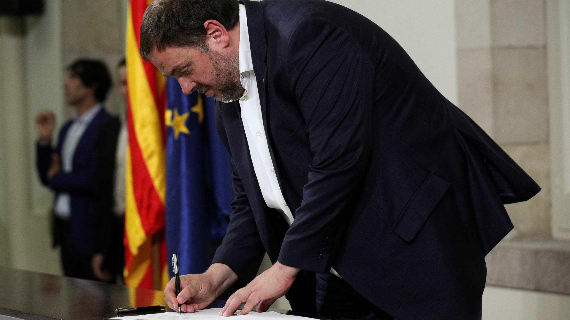 Justiça da Espanha decreta prisão de líderes da Catalunha