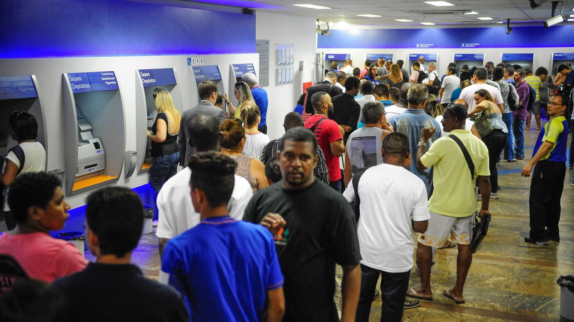 Caixa começa a pagar cotas do PIS nesta terça-feira (17)