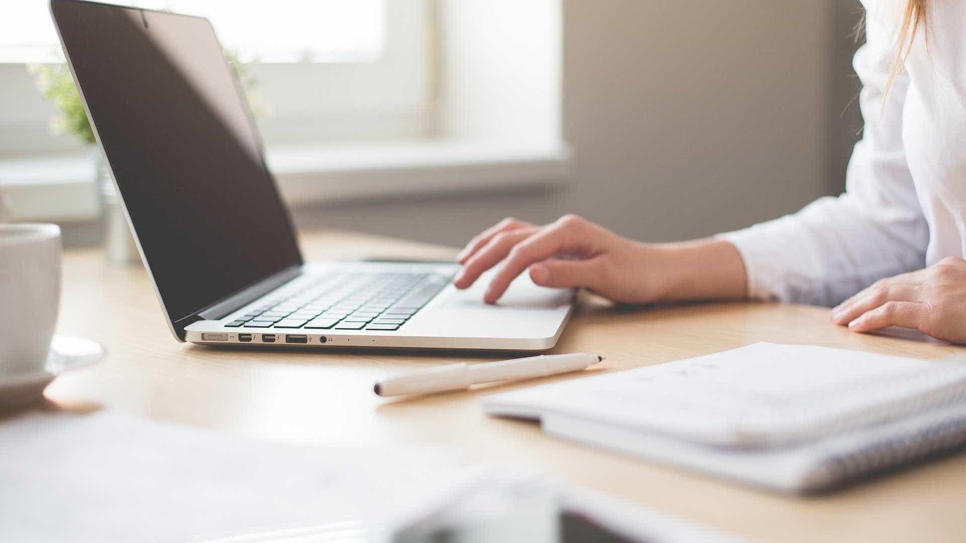 Golpe do falso emprego faz mais de 300 mil vítimas na internet