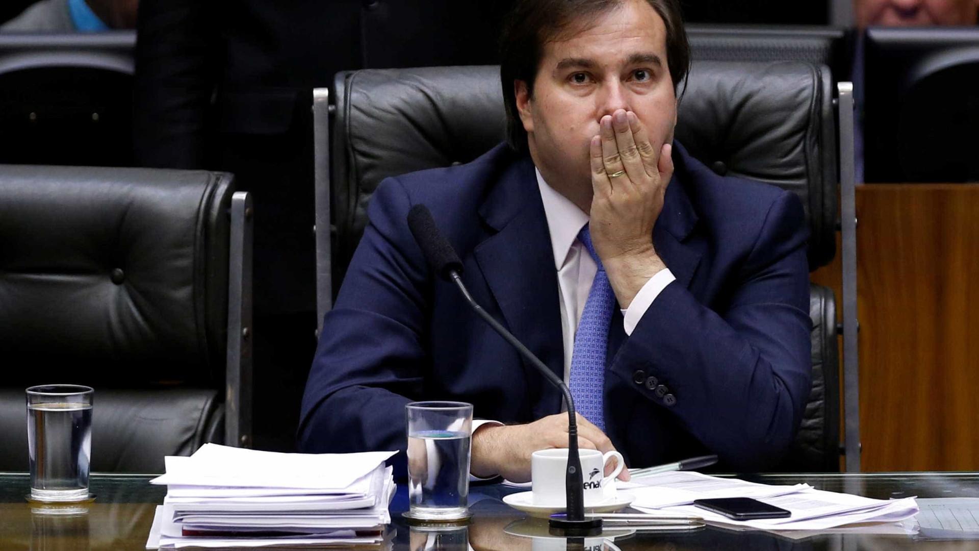 Desgaste de deputados dificulta aprovação de reforma, diz Maia