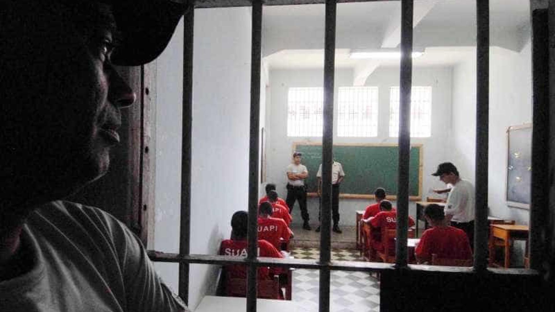 Enem é cancelado em 13 presídios por causa de greves e rebeliões