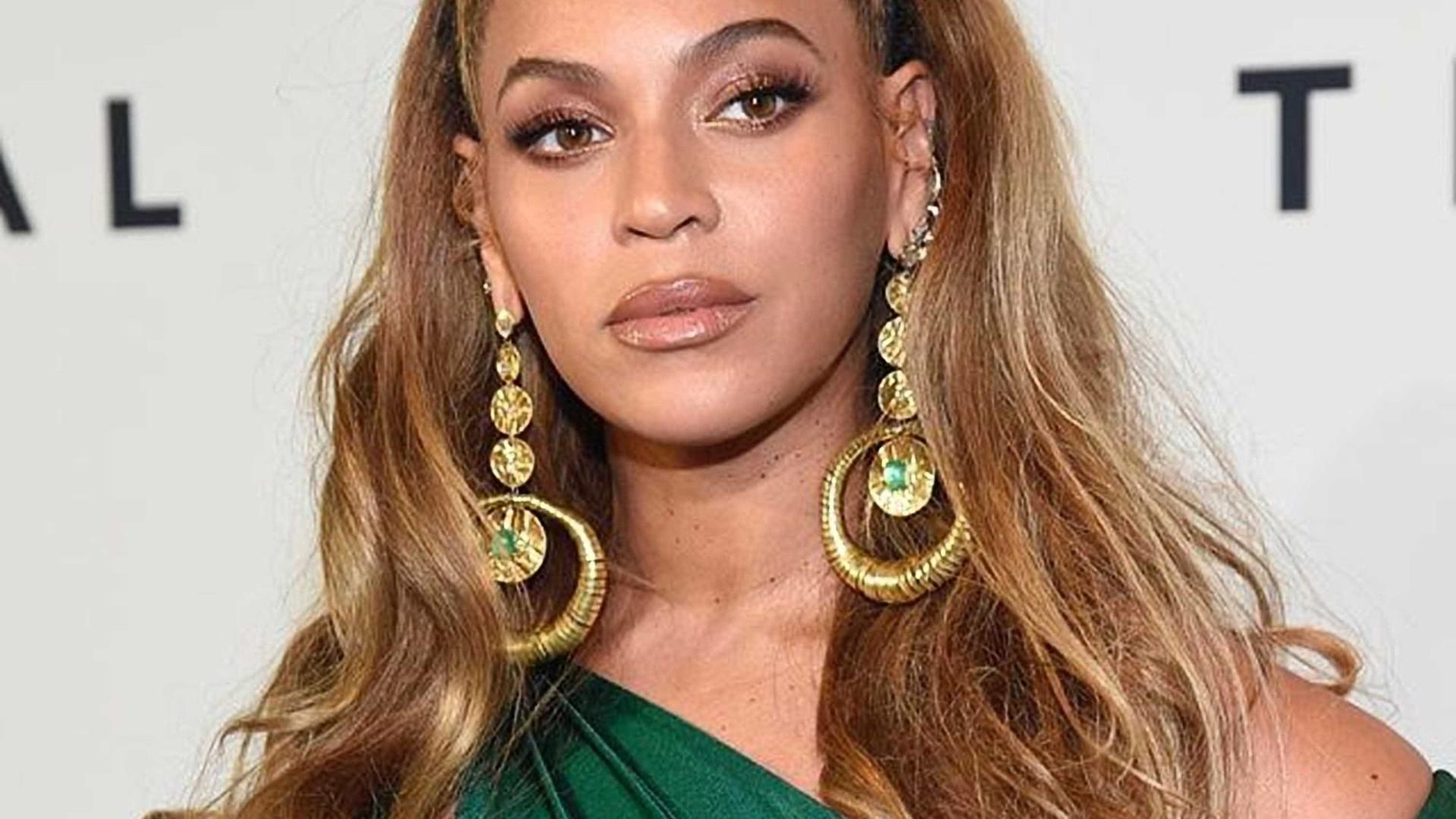 Mãe de Beyoncé revela o real comprimento do cabelo da filha