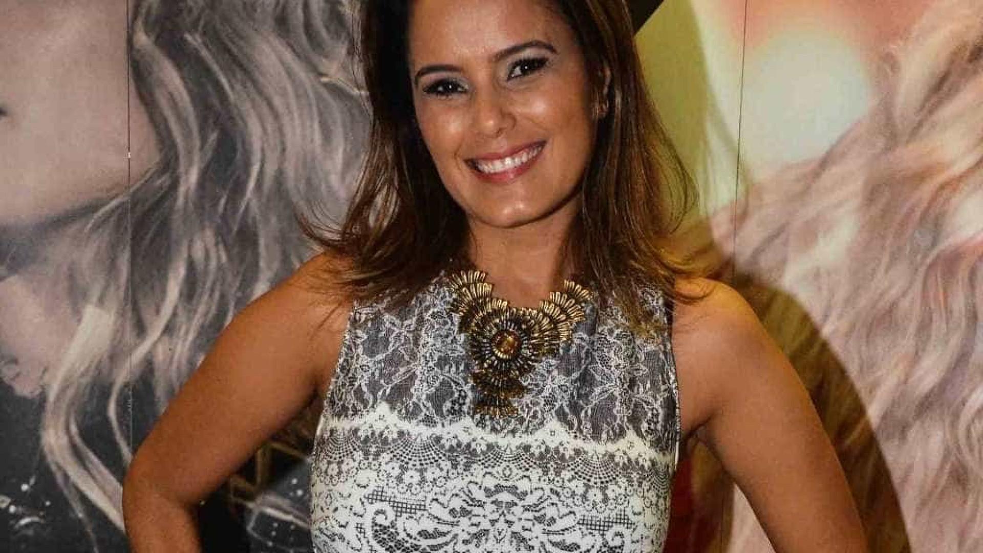 Luciele Di Camargo rastreia celular de Denílson e dá bronca na web