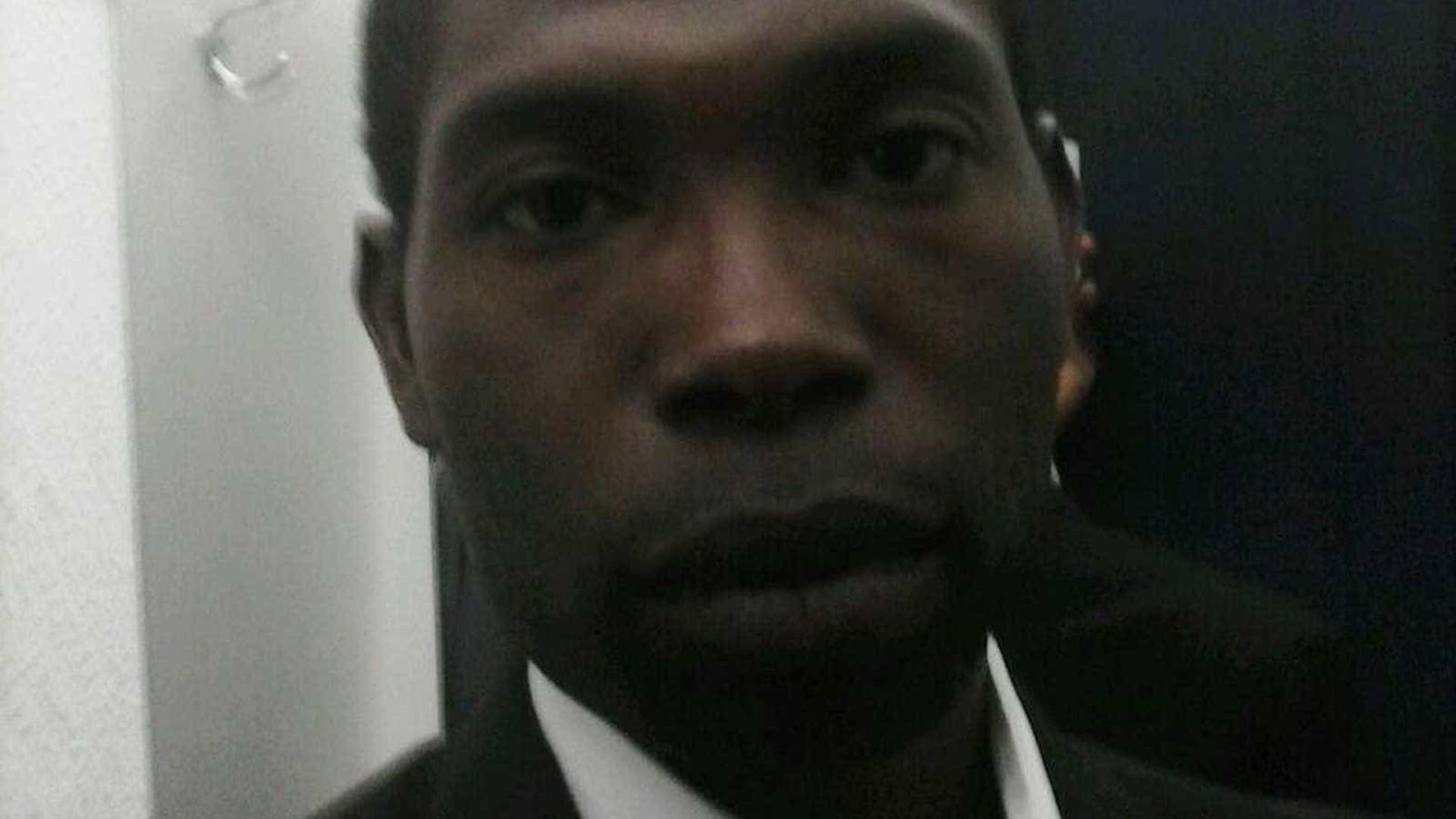 Vítima de racismo, funcionário público deixa de sair de casa