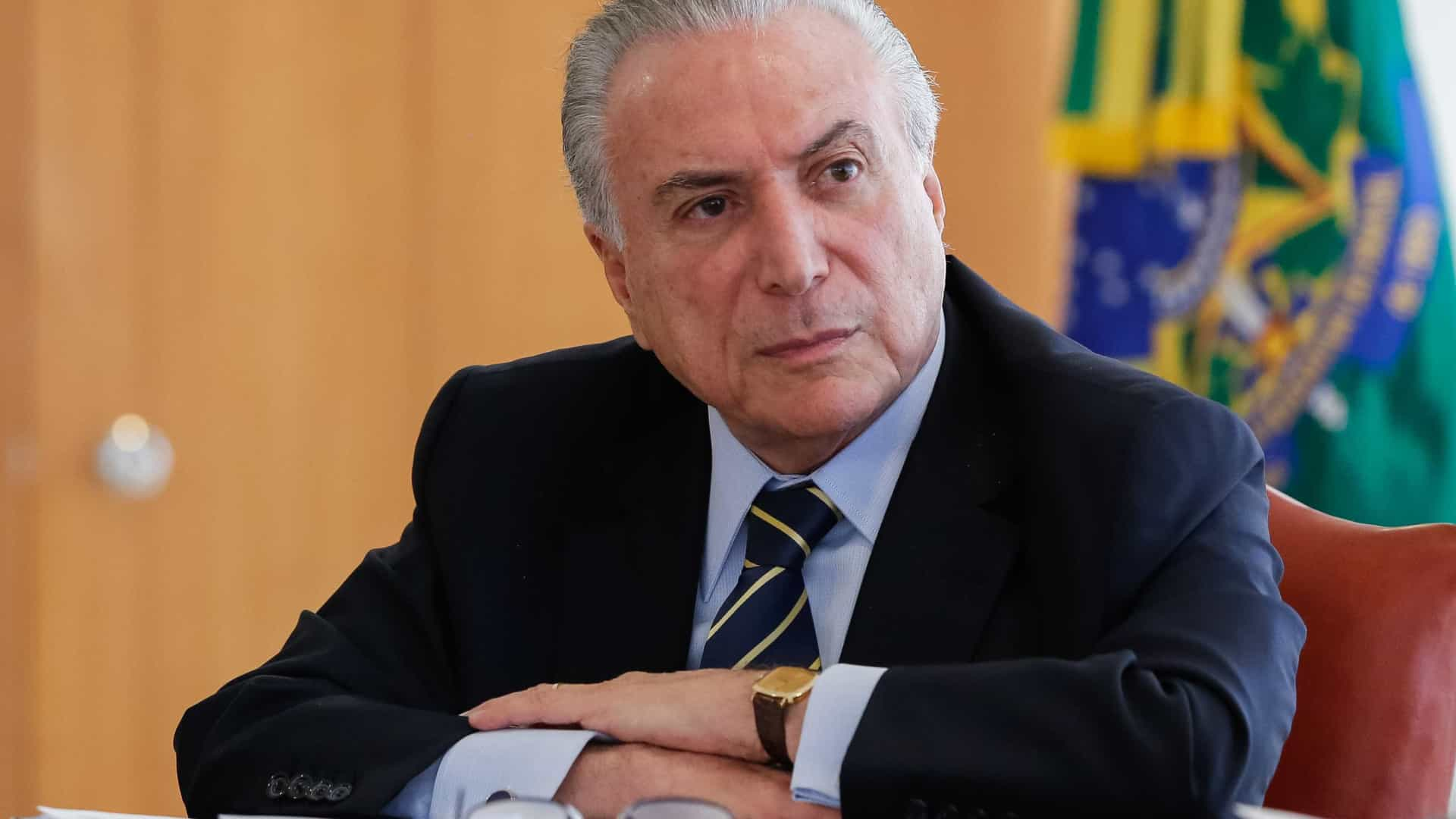 Movimento contra privatização da Eletrobras une 406 deputados