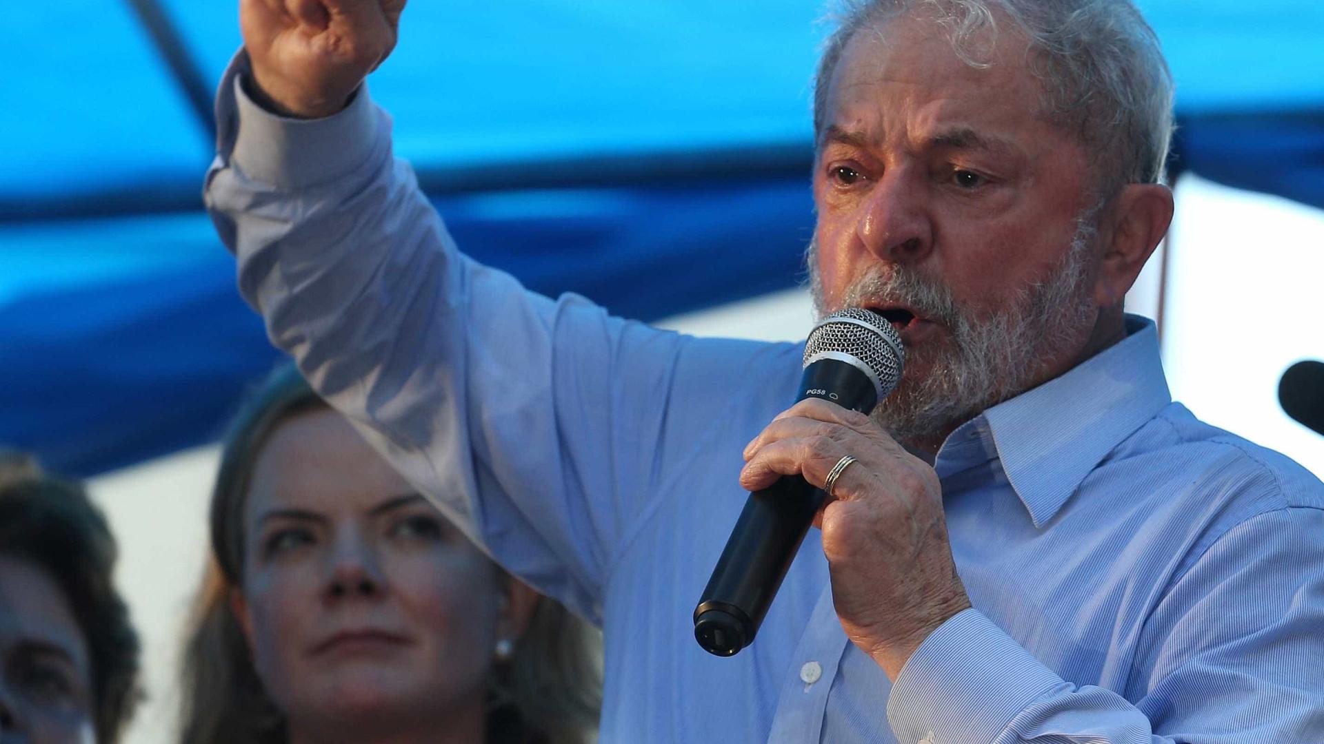 Pesquisa: 53% dos entrevistados acham que Lula deve ser preso