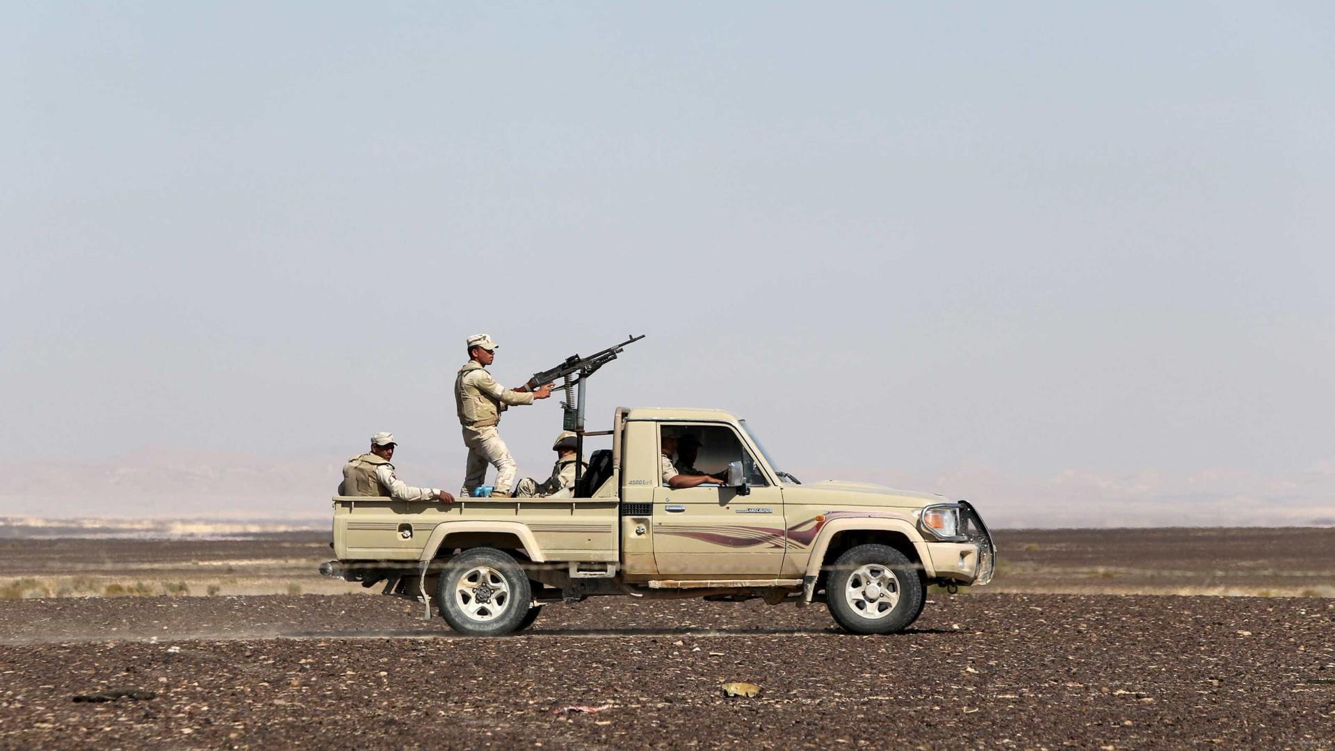 Exército mata 12 supostos terroristas e prende 92 no Sinai, diz Egito