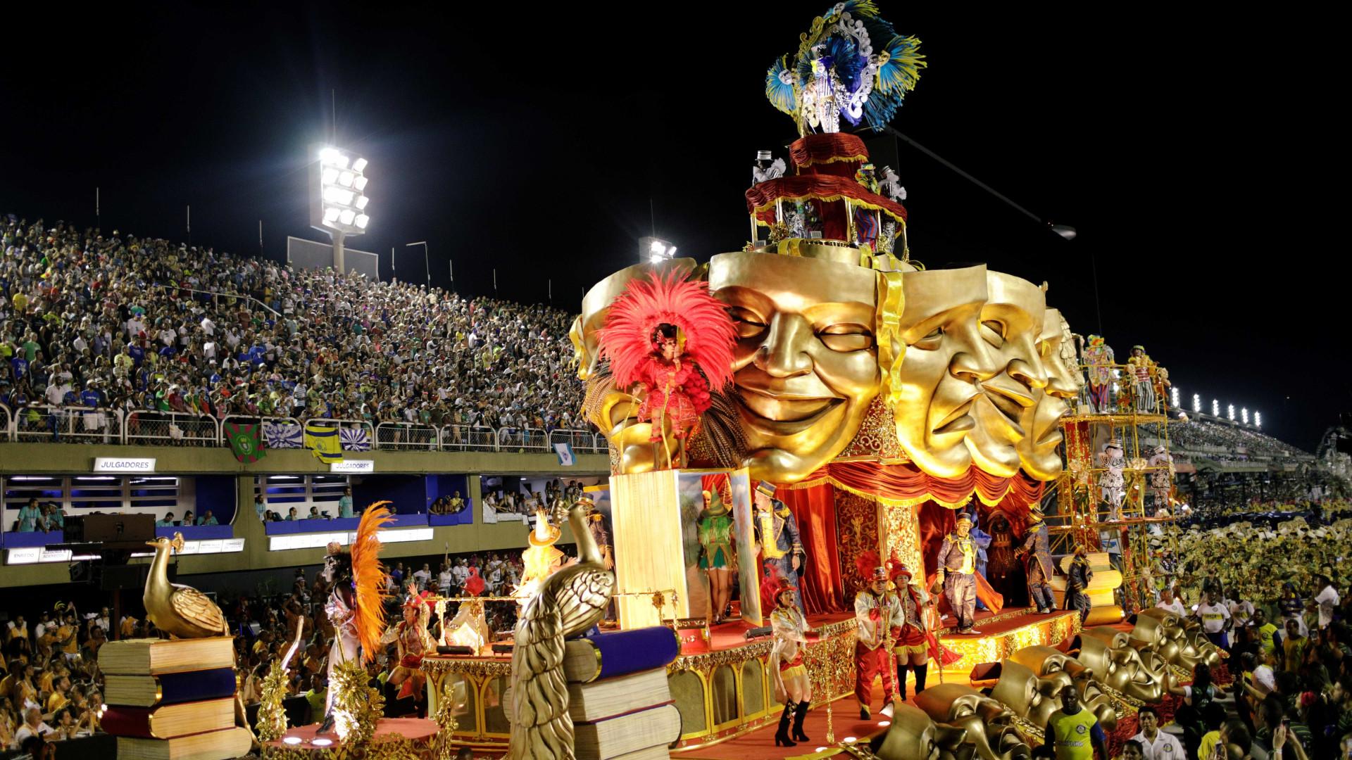 Tijuca faz desfile redentor e sai ovacionada da Sapucaí