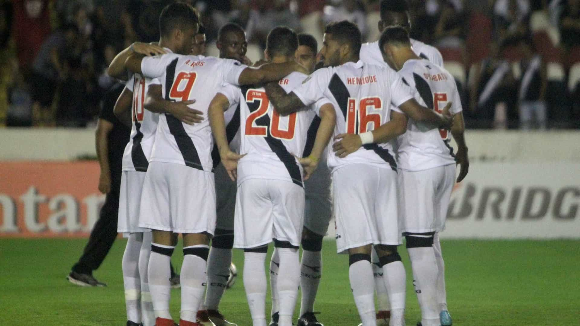 Vasco goleia Jorge Wilstermann e se aproxima dos grupos da Libertadores