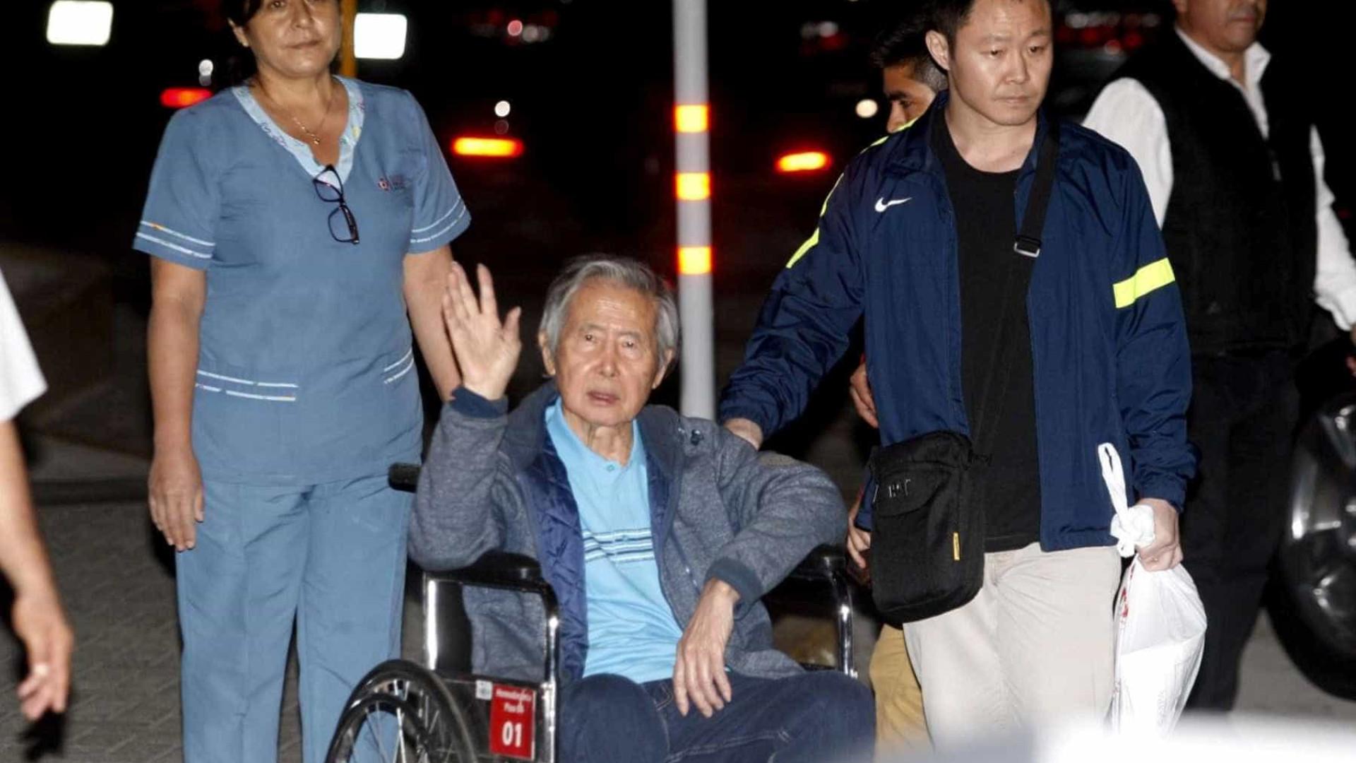 Fujimori deixa hospital após receber indulto presidencial