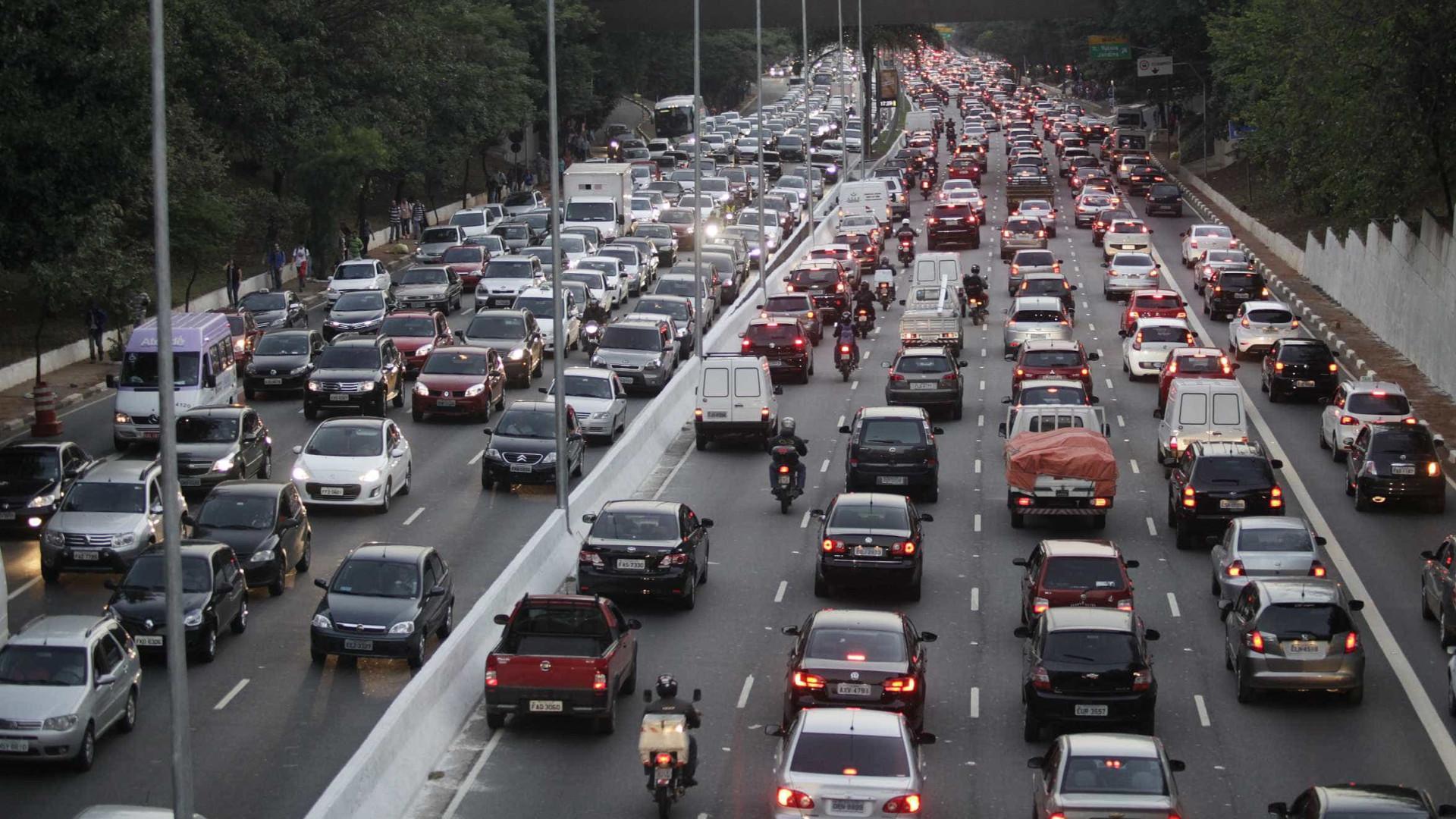 São Paulo quer pagar R$ 300 mil para quem ficar um ano sem multa