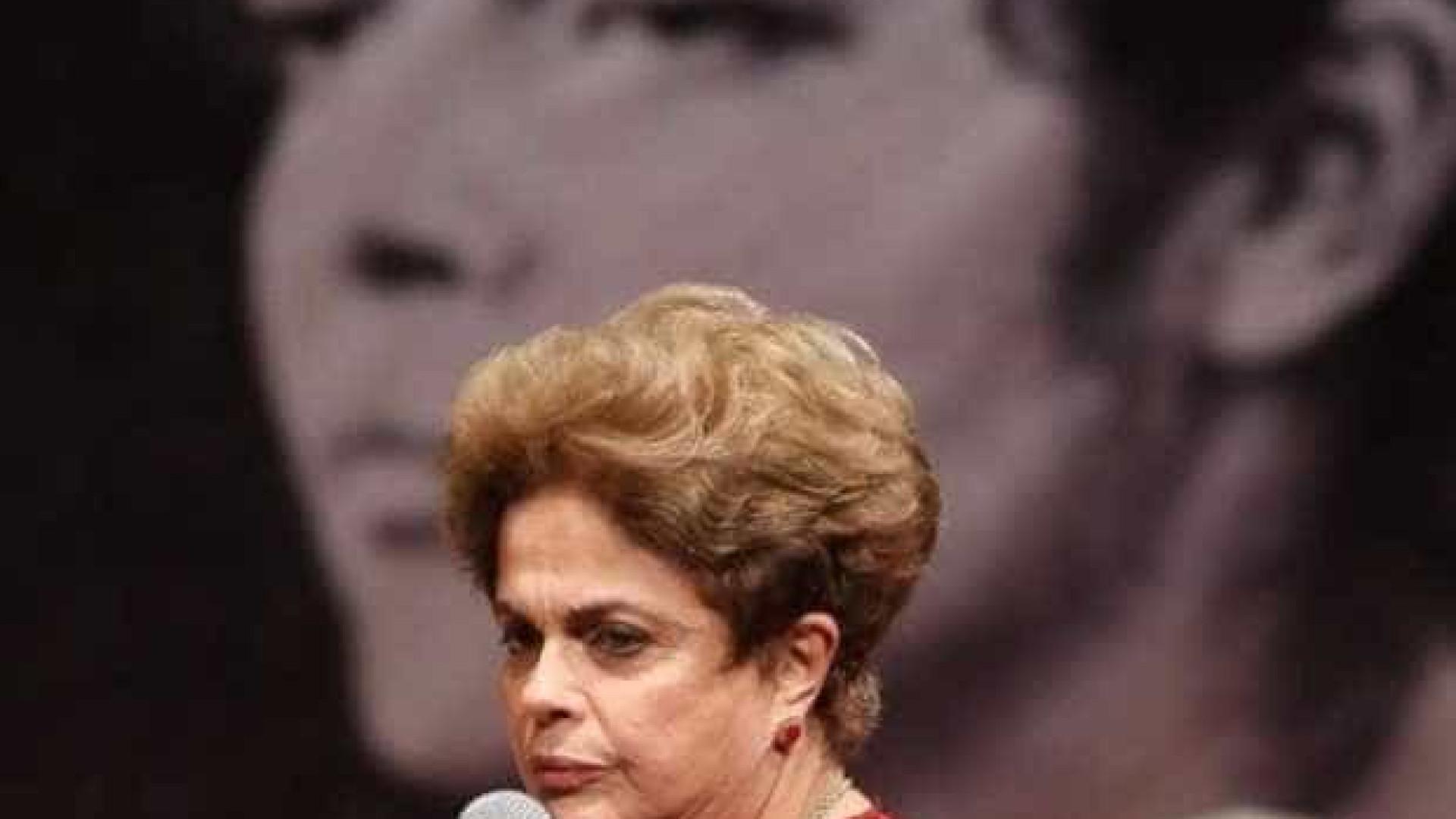 Brasileiros fazem atopró-Lula e Dilma no Festival de Berlim