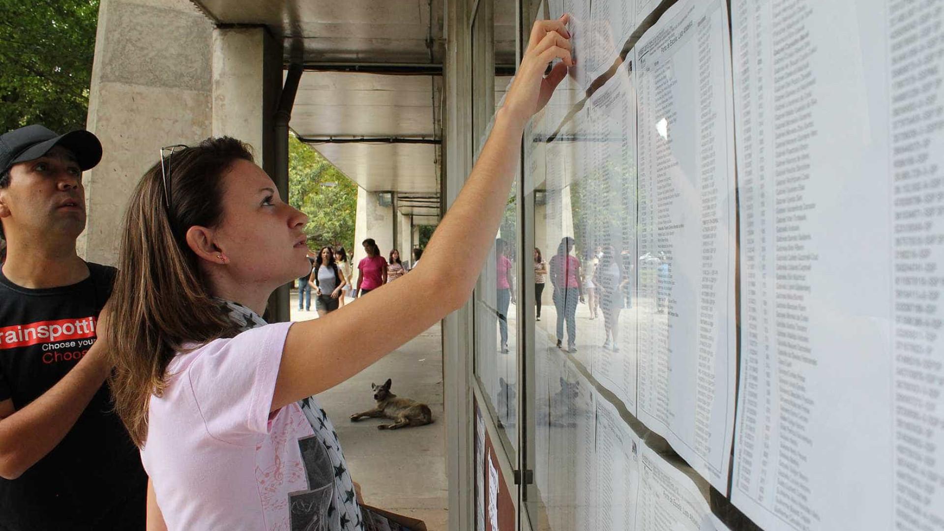Concursos públicos abrem vagas com salário de até R$ 30 mil