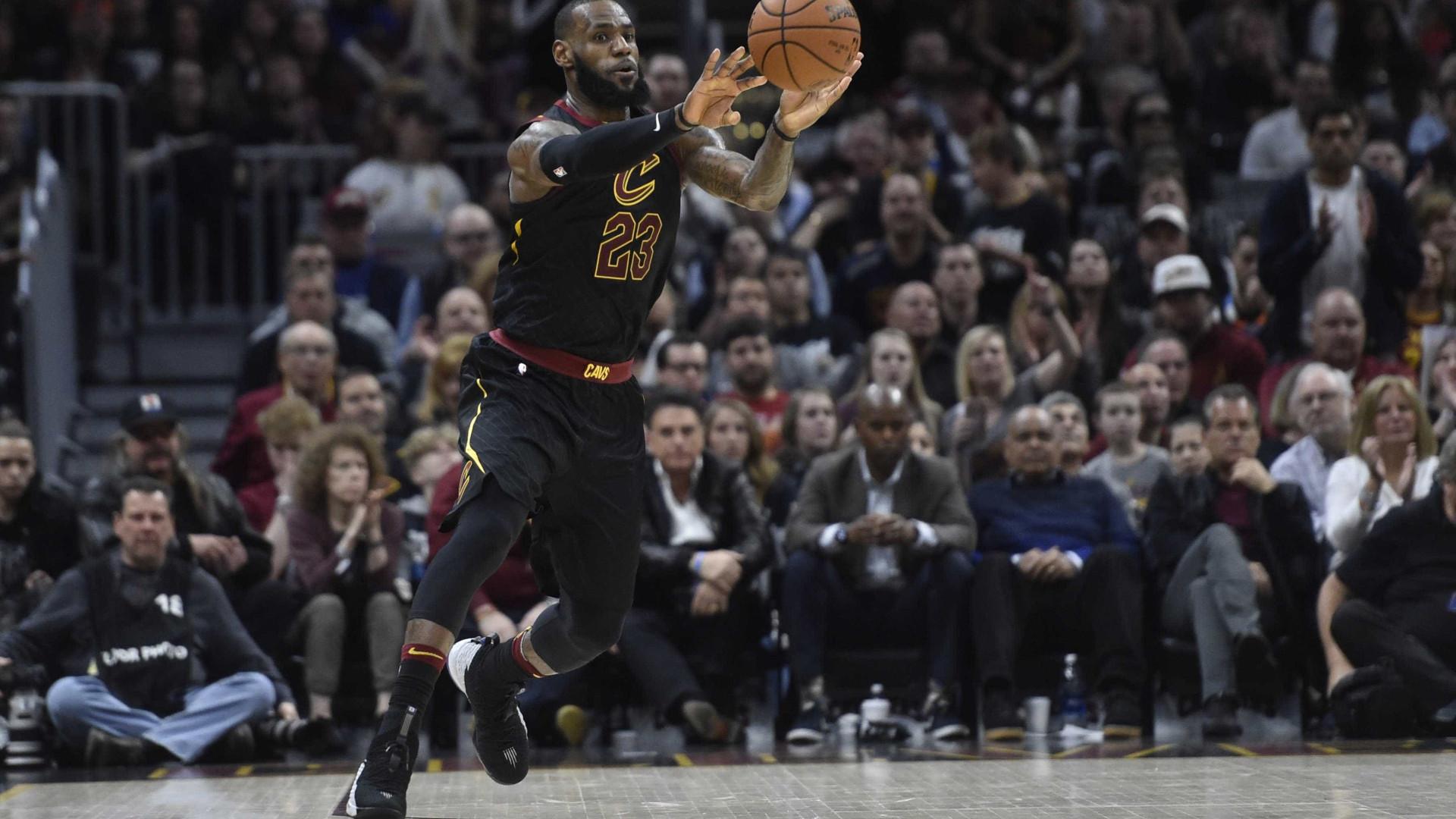 Playoffs da NBA: Houston abre 2 a 0; Cleveland e Utah empatam série
