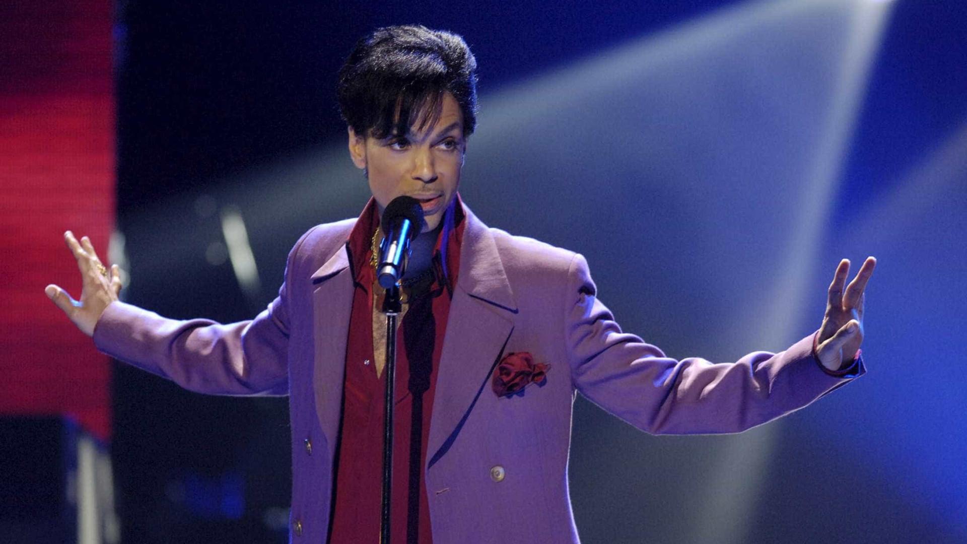 Prince: inquérito não identifica suspeito da morte do cantor