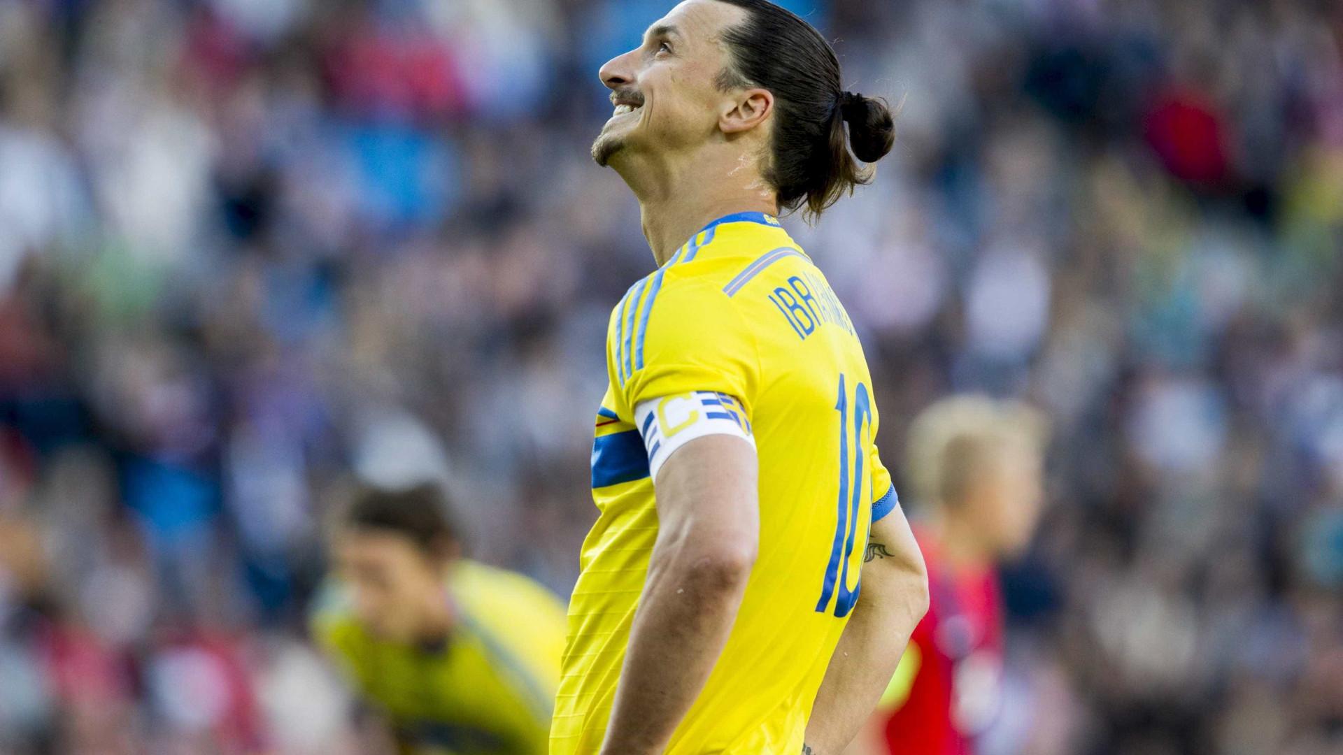 Federação da Suécia afirma que Ibrahimovic está fora da Copa