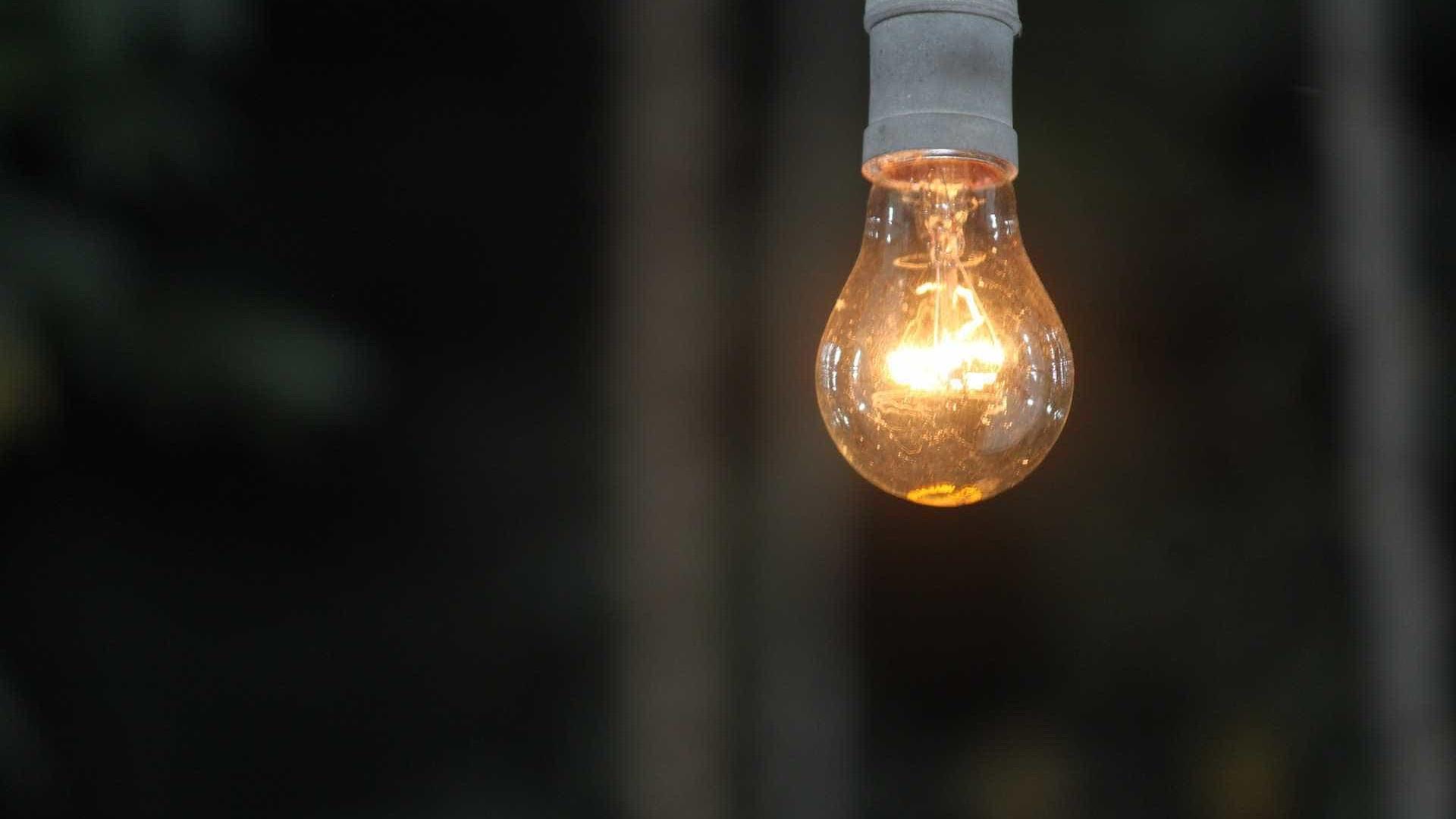 Conta de luz terá bandeira amarela e tarifa extra em maio