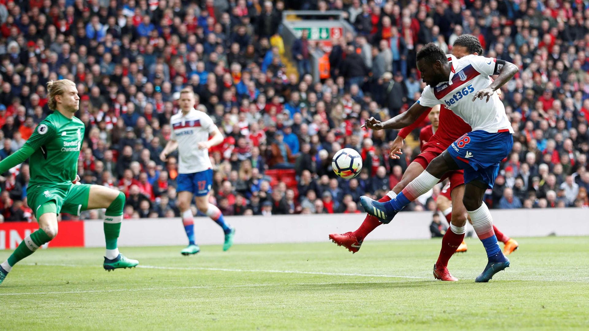 Com Firmino e Salah, Liverpool só empata com Stoke, ameaçado de queda