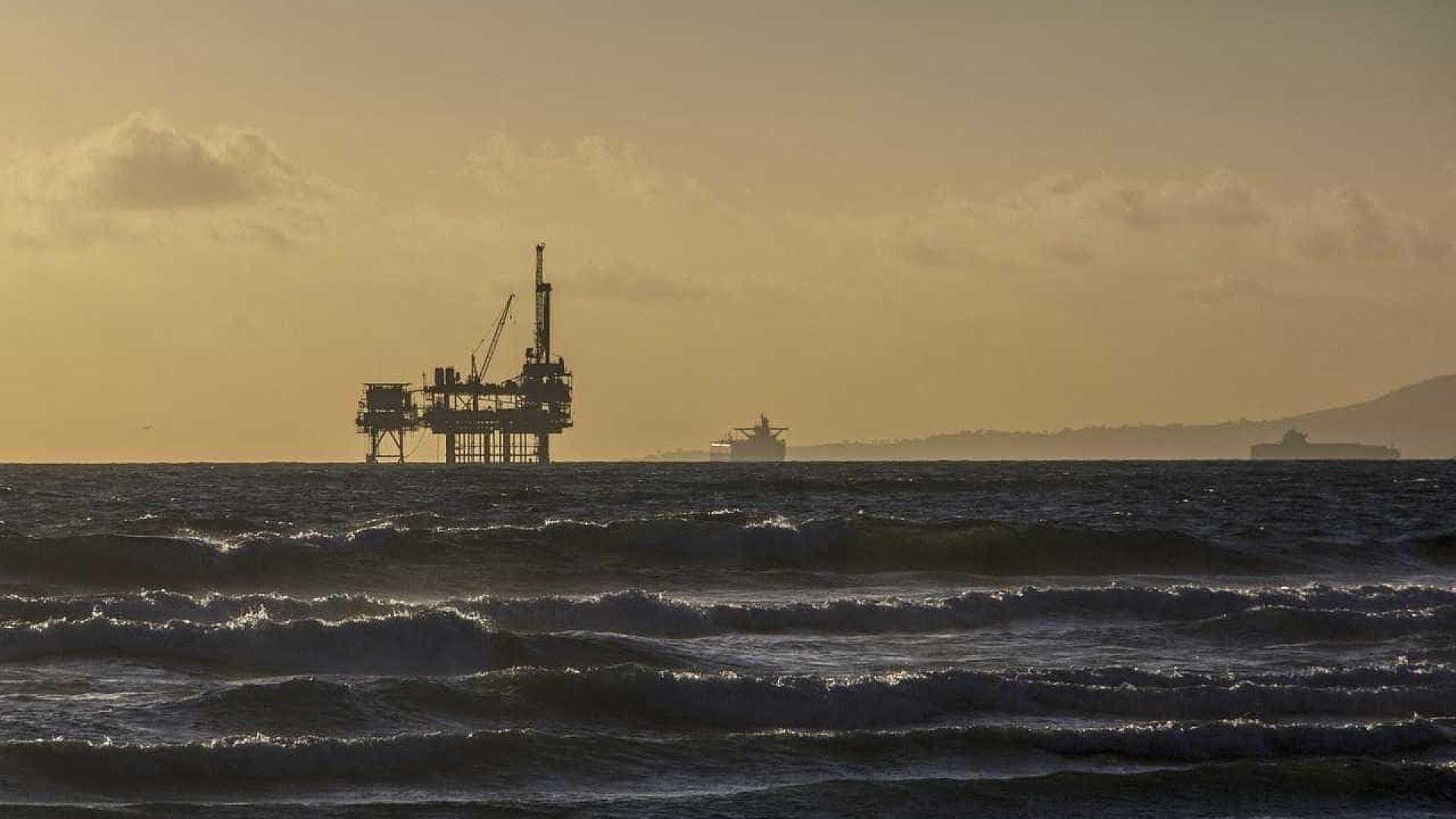 Produção de petróleo cai 2,3% em março e atinge 2,55 mi de barris/dia