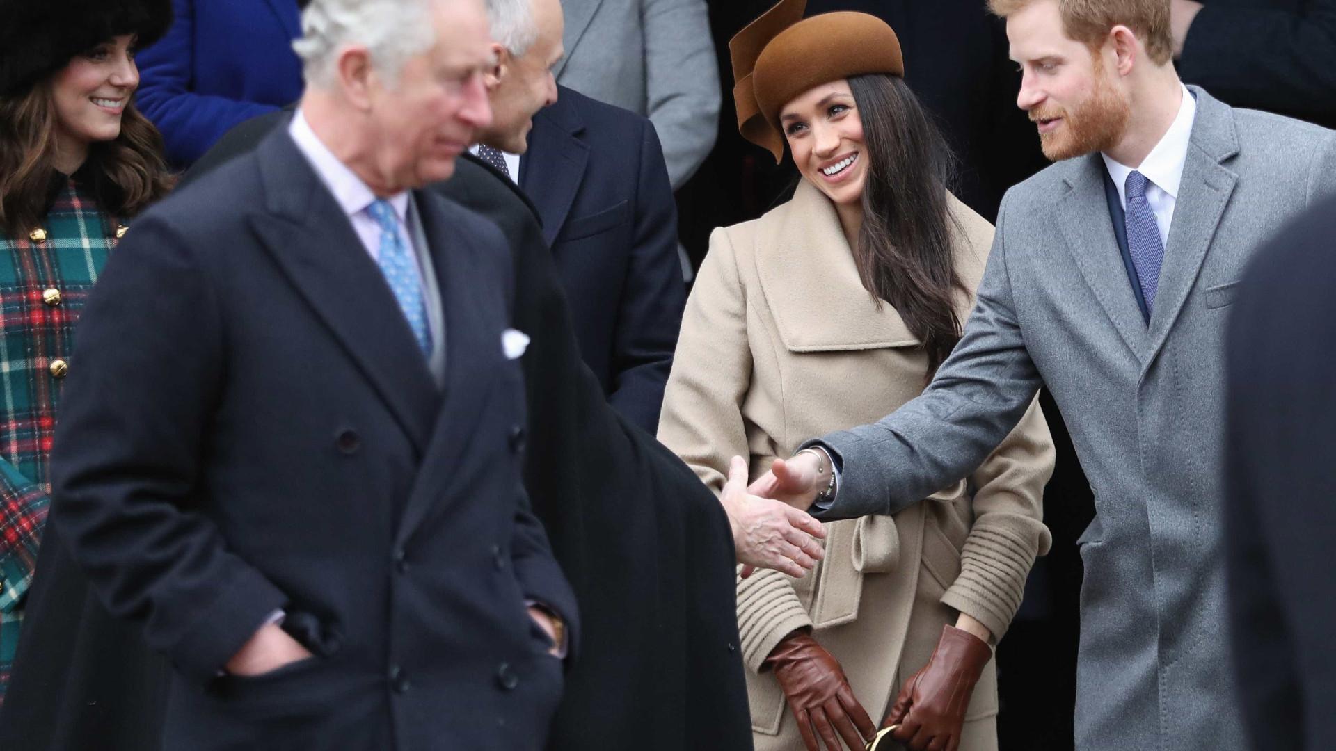 Meghan Markle será levada ao altar pelo príncipe Charles