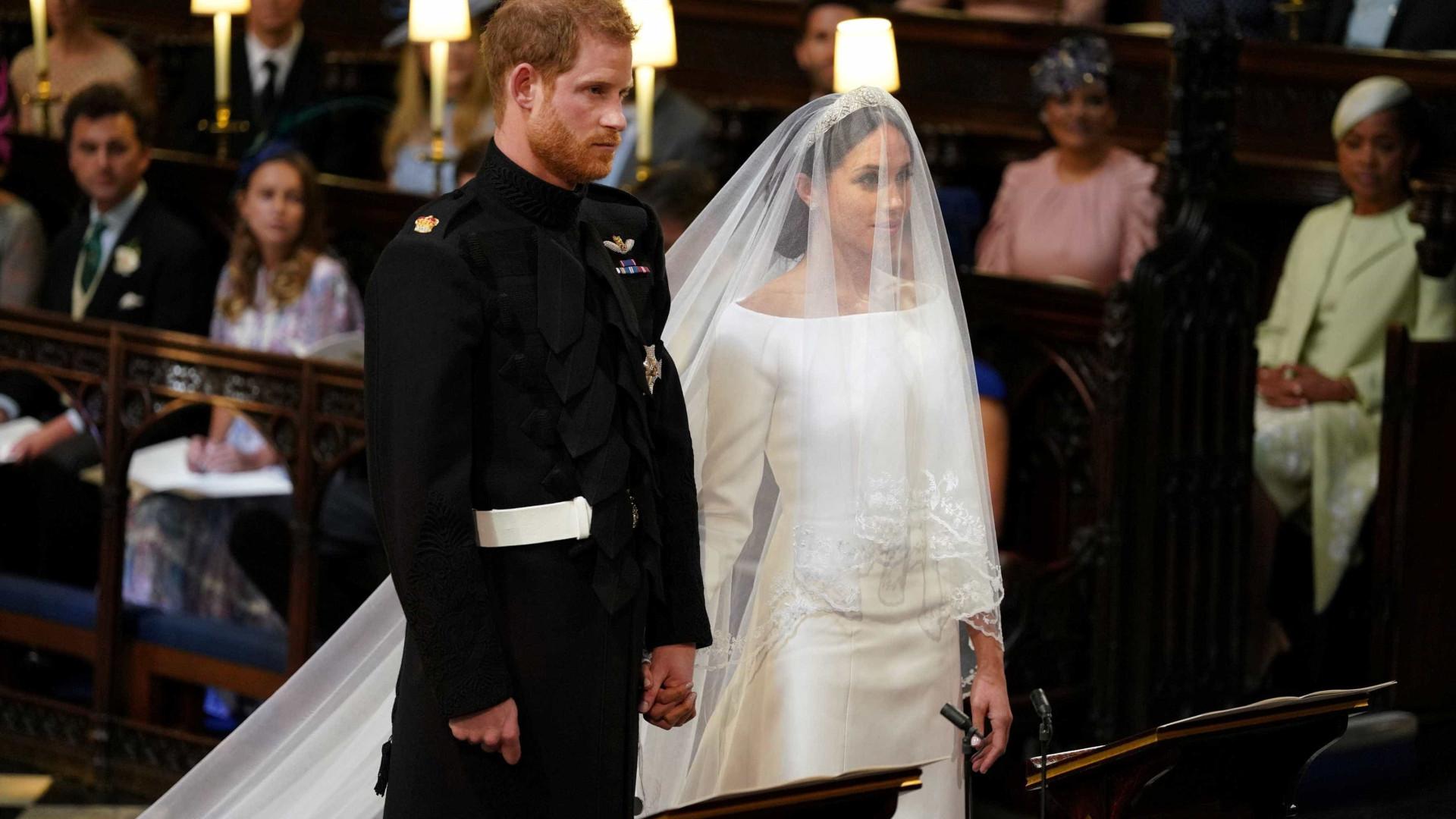 Meghan e Harry trocam alianças em cerimônia que exalta o amor