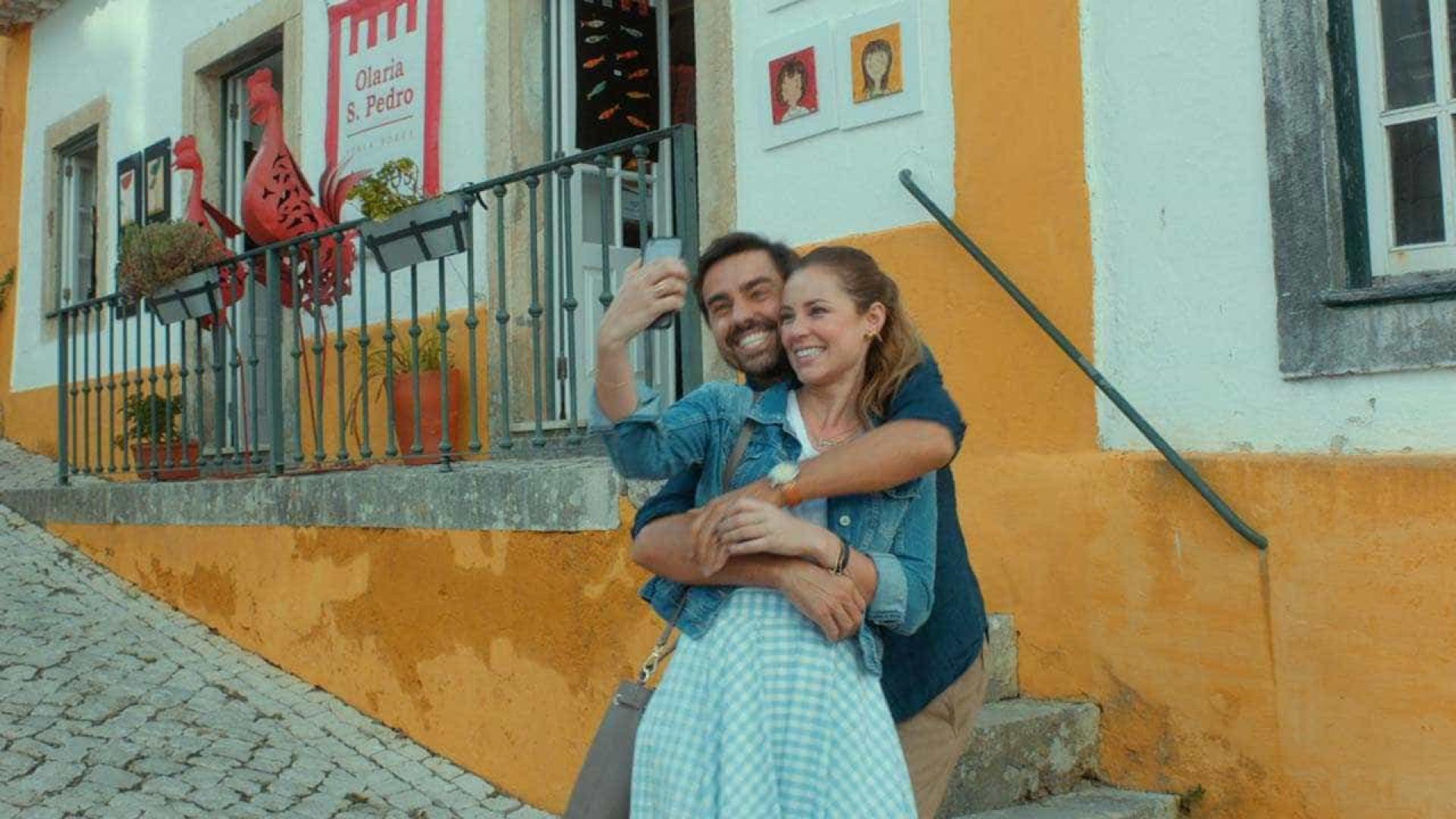 Mistura de Brasil e Portugal rende o melhor do modesto 'Alguém Como Eu'