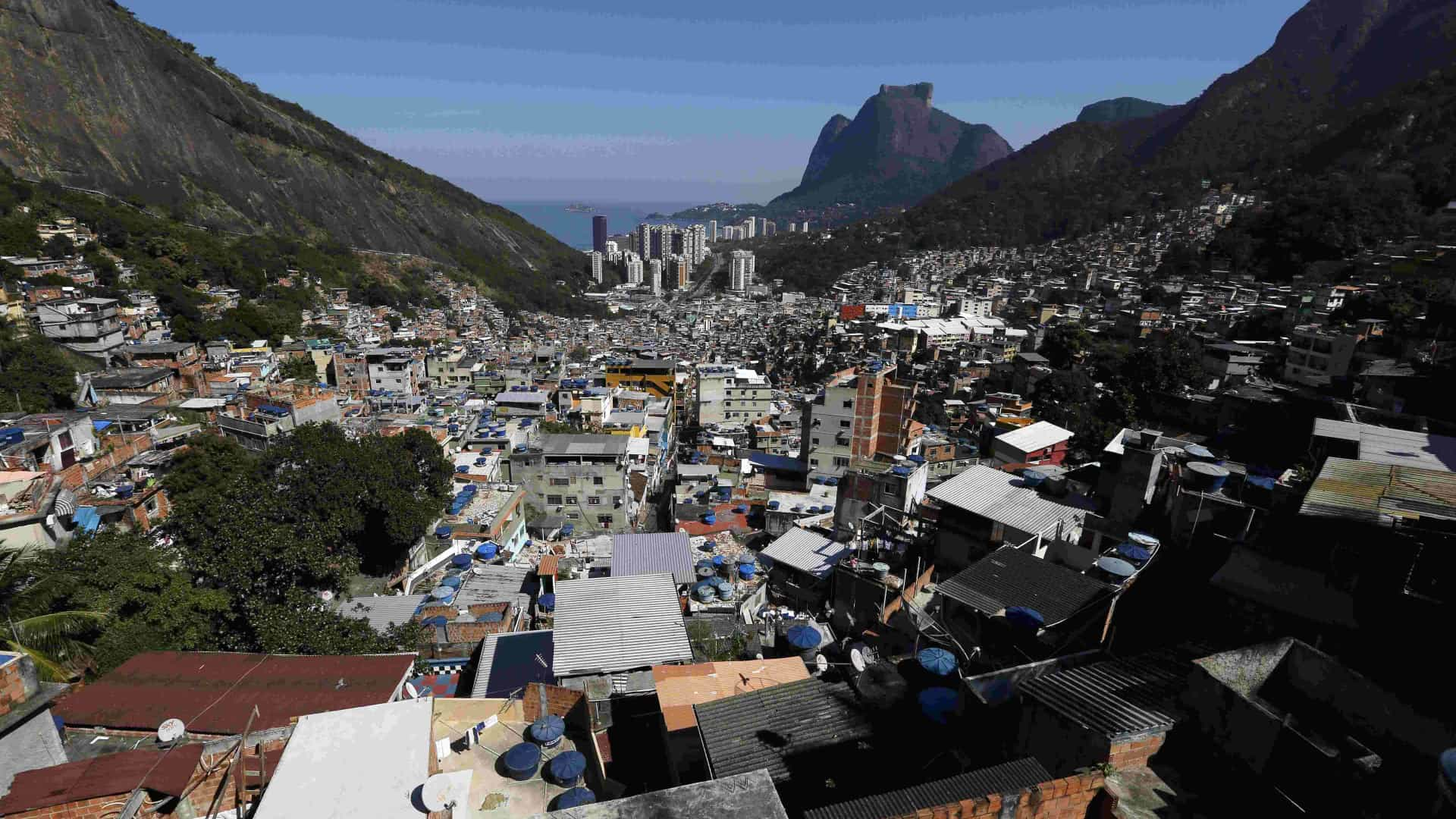 Suspeito morre após confronto entre criminosos e Bope na Rocinha