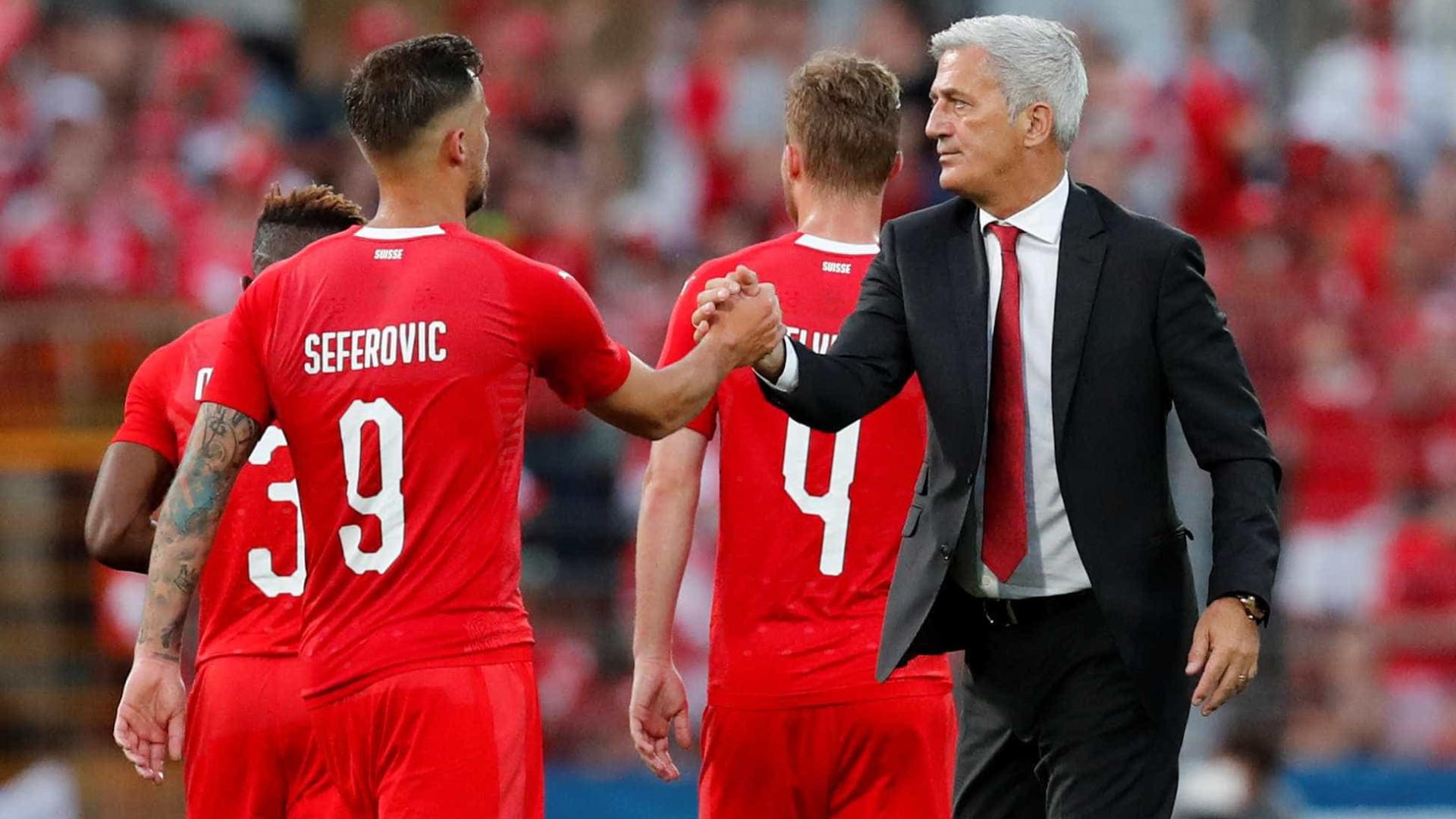 Confiantes com estreias, Sérvia e Suíça se enfrentam na Copa