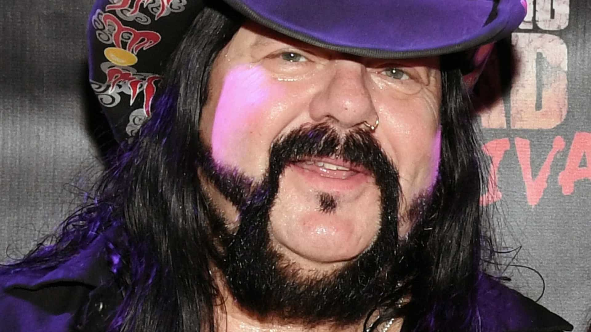 Vinnie Paul, baterista do Pantera, morre aos 54 anos