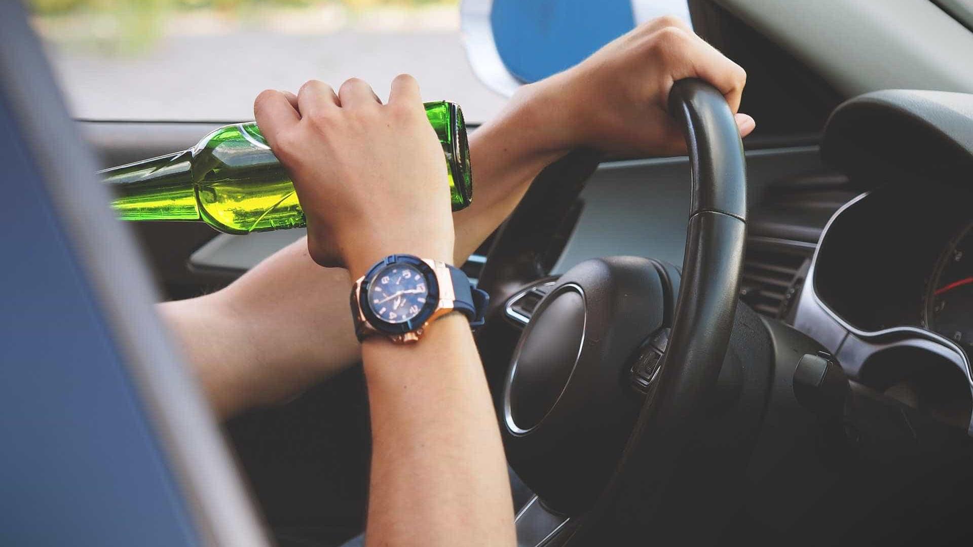 Consumo de álcool antes de dirigir sobe 16% após lei seca