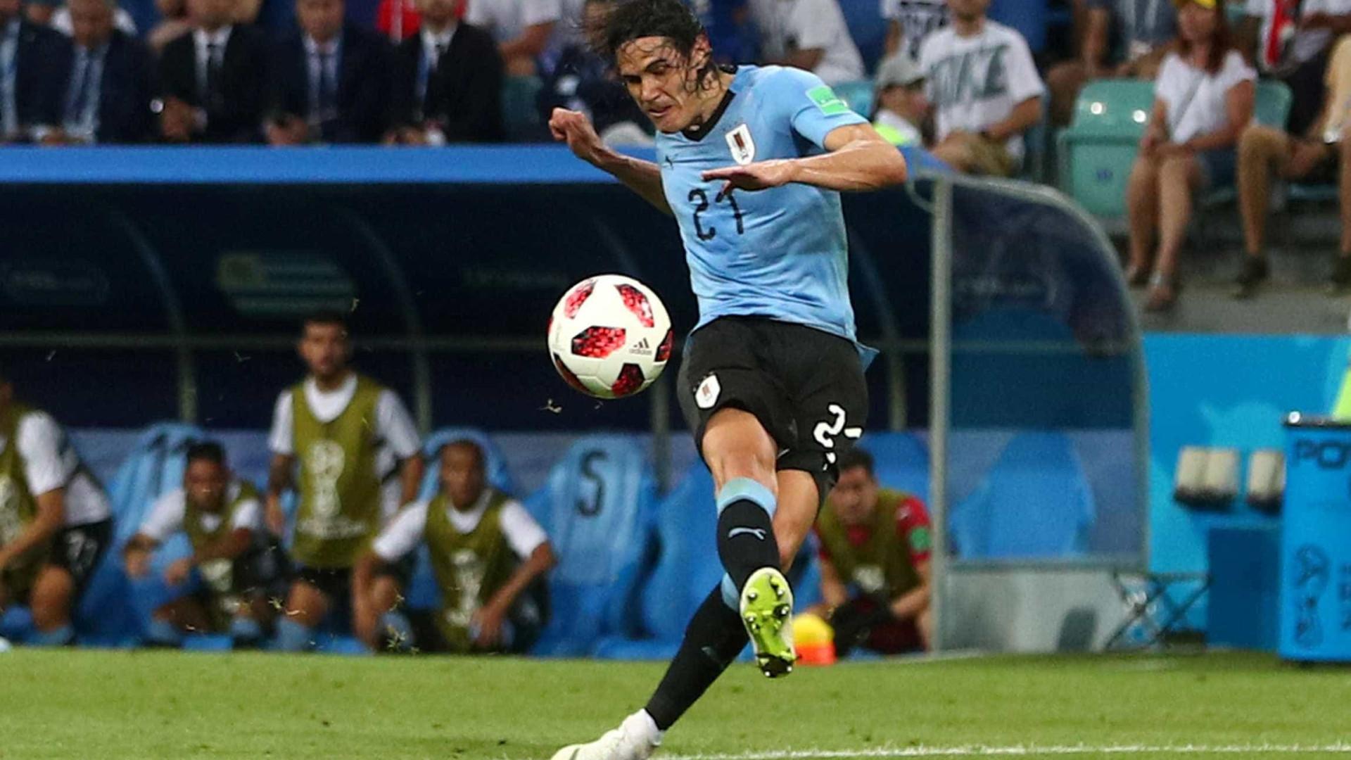 Imprensa uruguaia repercute possível substituto de Cavani nas quartas