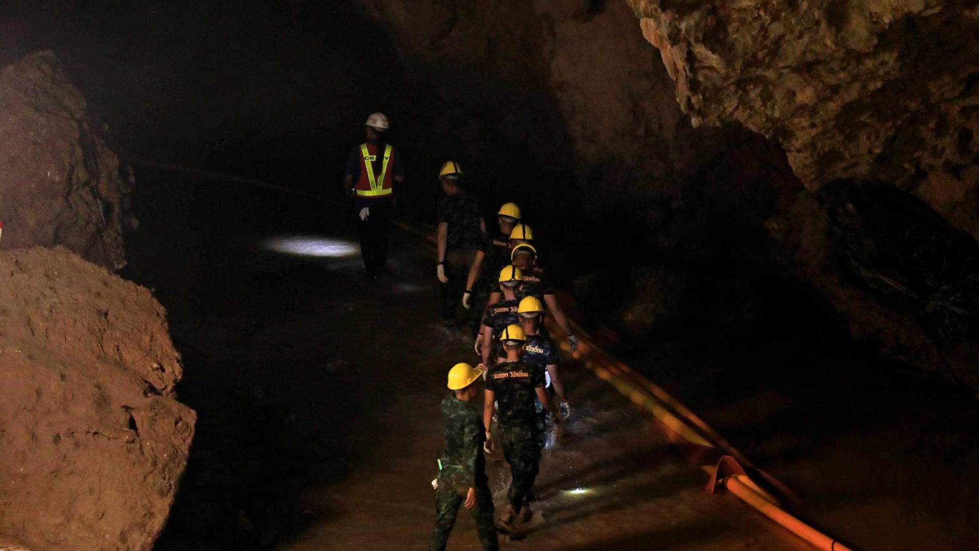 Parte do time tirado de caverna tem infecção, mas quadro não preocupa