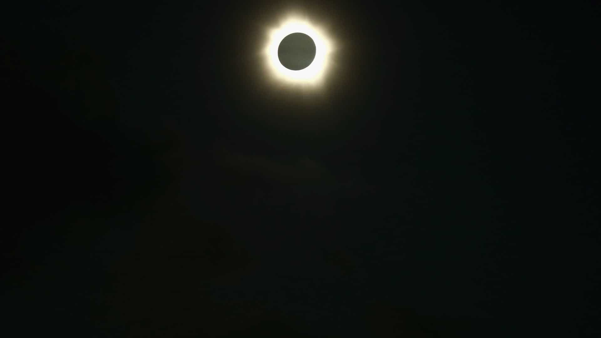 Saiba como o eclipse do dia 12 afeta cada signo