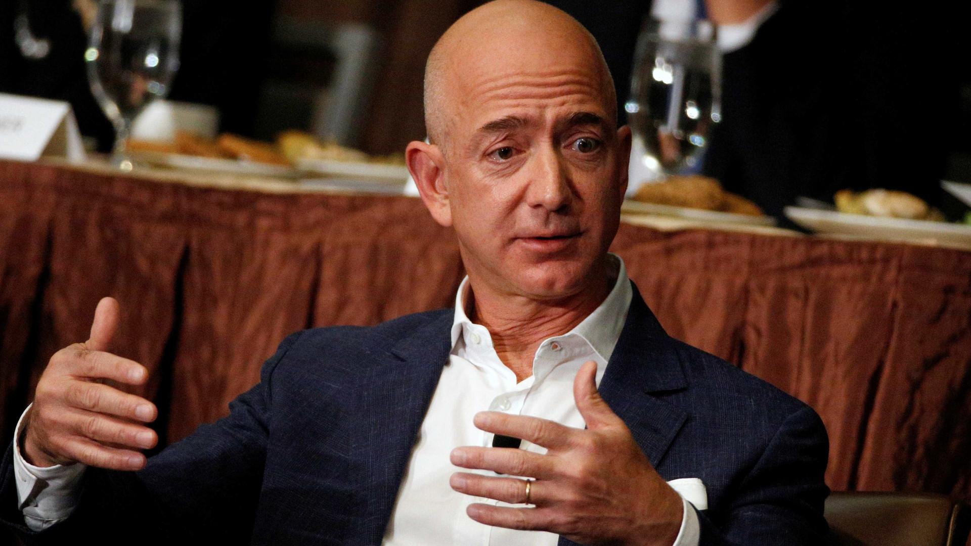 Fundador da Amazon é o homem mais rico da história moderna