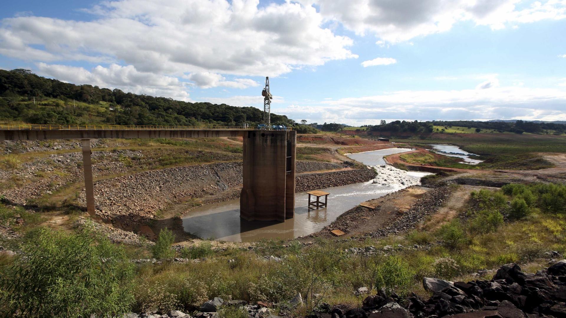 Volume de água armazenado no sistema Cantareira cai para 44,5%