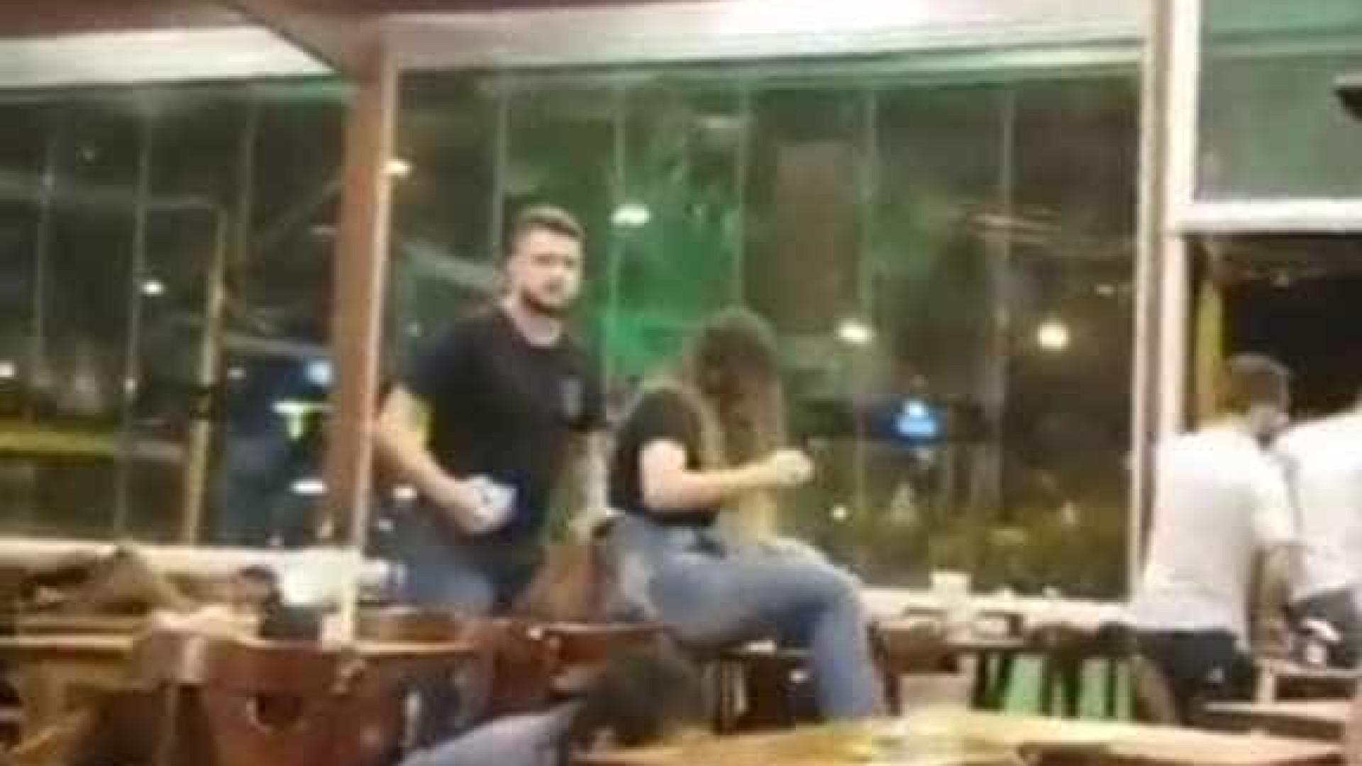 Vídeo mostra momento de pânico após homem atirar contra bar em Goiânia
