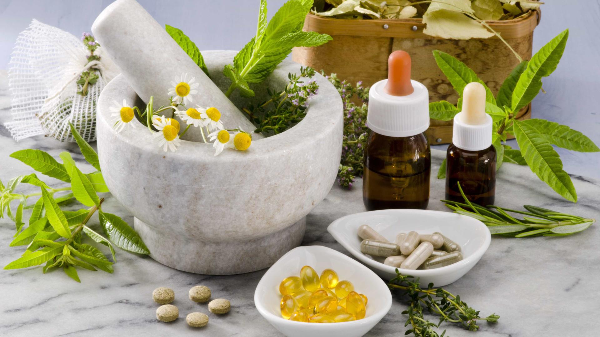 Anvisa publica novas diretrizes para homeopatia e suplementos; entenda
