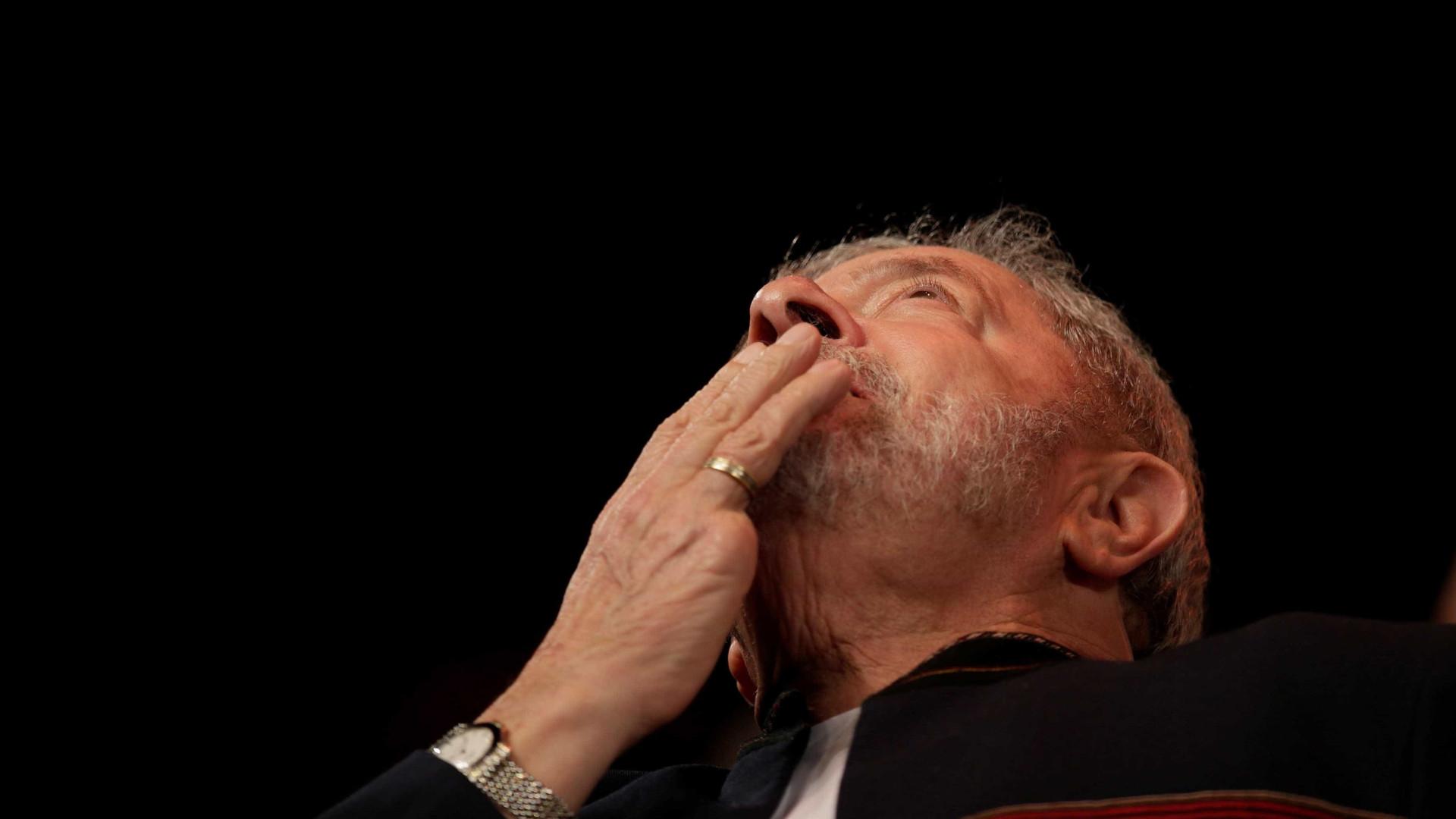 Juiz absolve Lula em processo sobre obstrução de Justiça