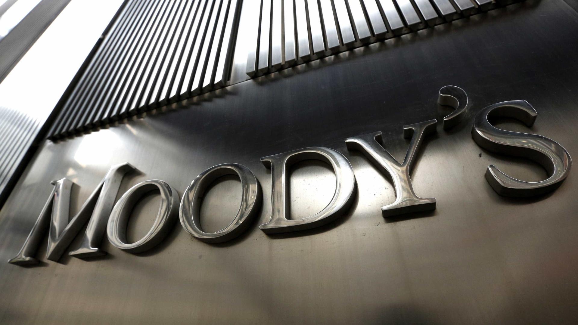 Moodys reduz previsão para PIB do Brasil e vê risco em guerra EUA-China