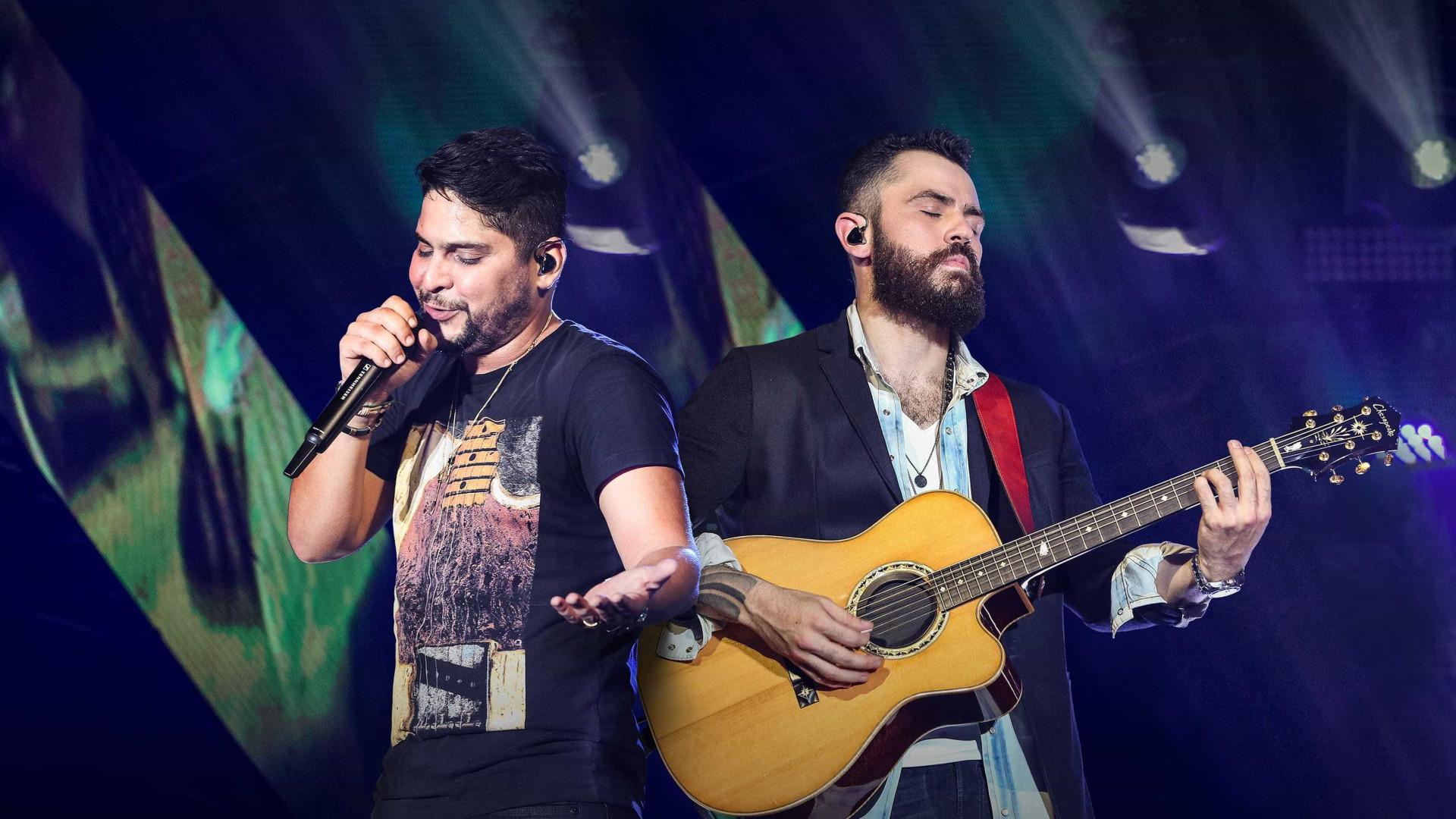Jorge e Mateus discutem no palco durante show; assista