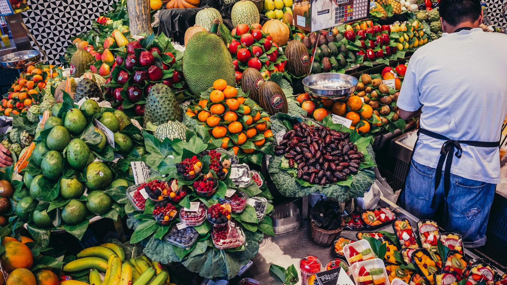 Descubra 3 alimentos de agosto para se alimentar melhor e com economia