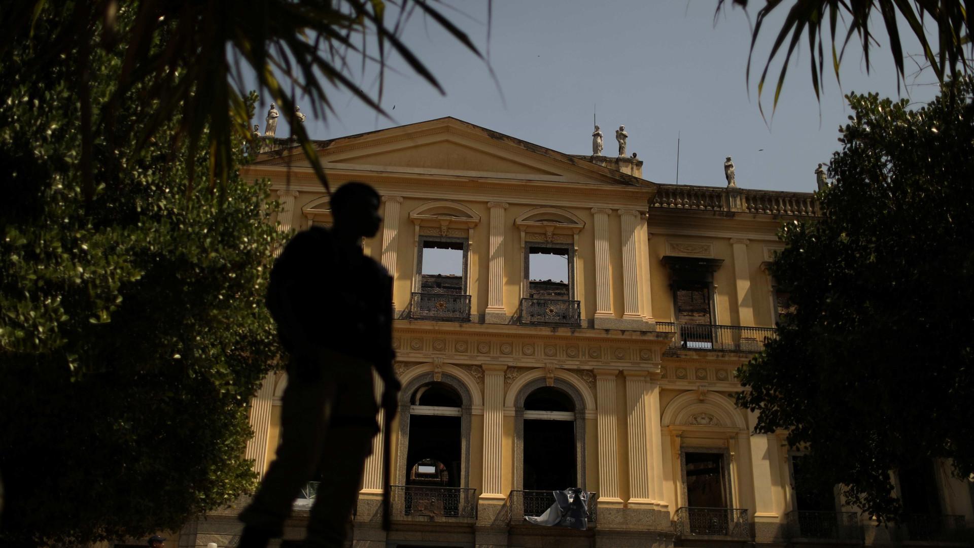 Imagens mostram o que restou do Museu Nacional após incêndio