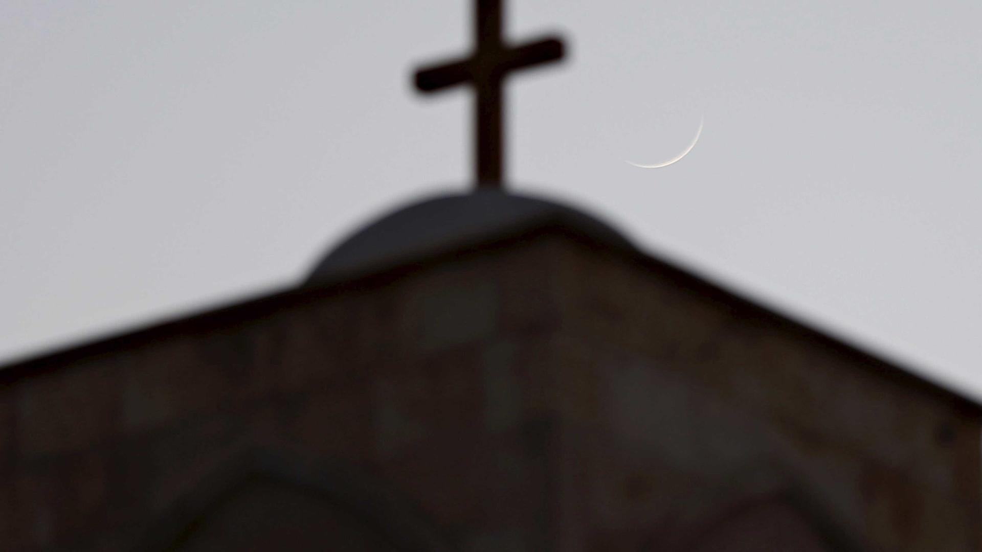 Novo estudo detalha anos de abusos por religiosos católicos na Alemanha