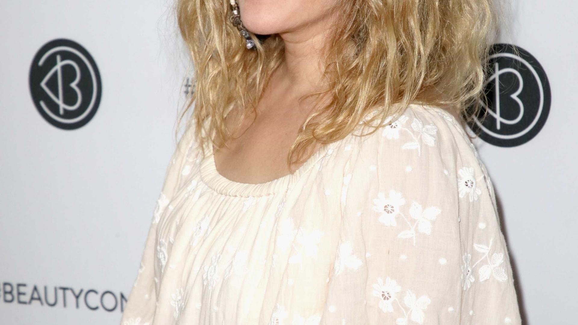 Revista egípcia publica entrevista 'sem sentido' com Drew Barrymore
