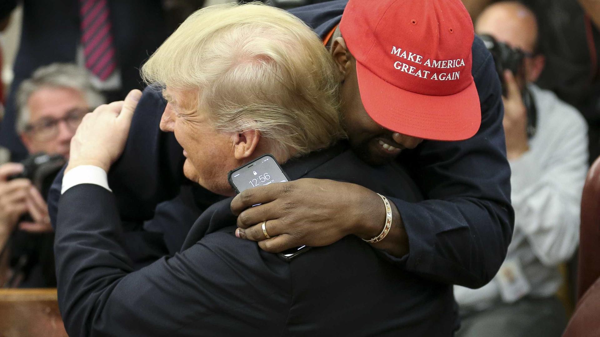Rapper Kanye West discute reforma prisional com Trump na Casa Branca