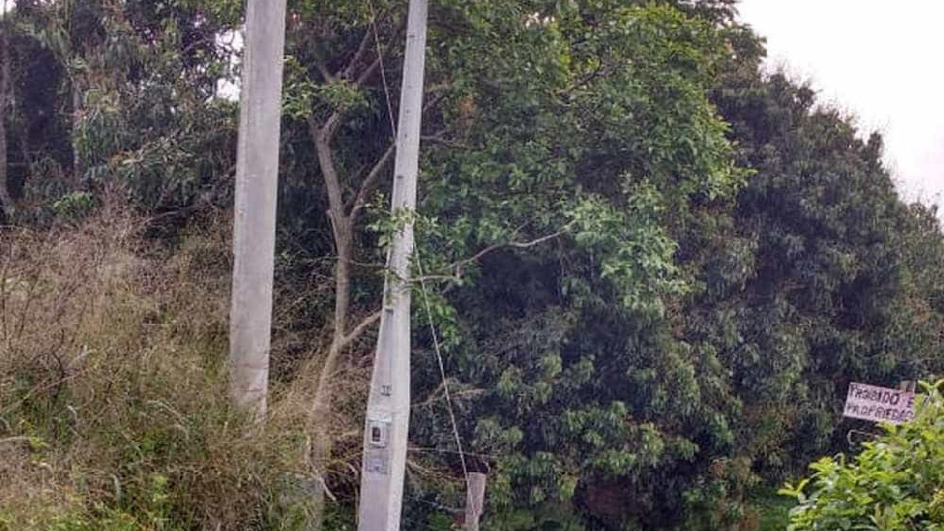 Homem morre eletrocutado ao pisar em fio caído sobre rodovia em SP