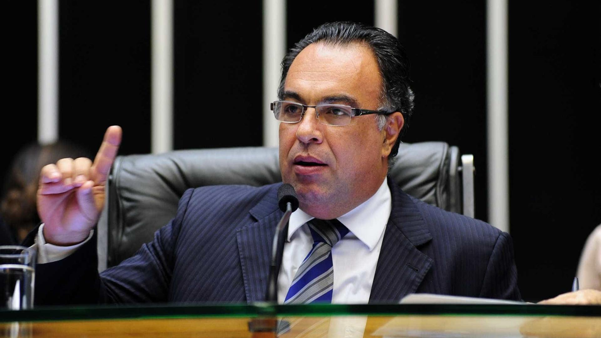 Preso na Lava Jato, ex-deputado André Vargas é solto