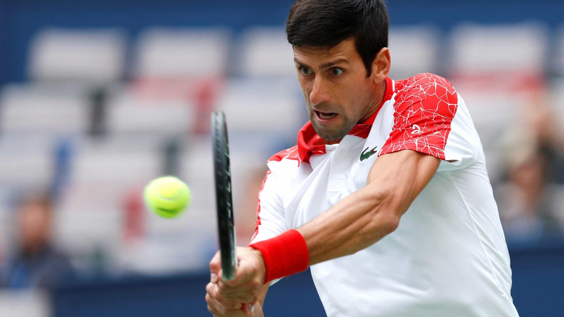 Djokovic celebra milésimo jogo e bate aproveitamento de Nadal e Federer