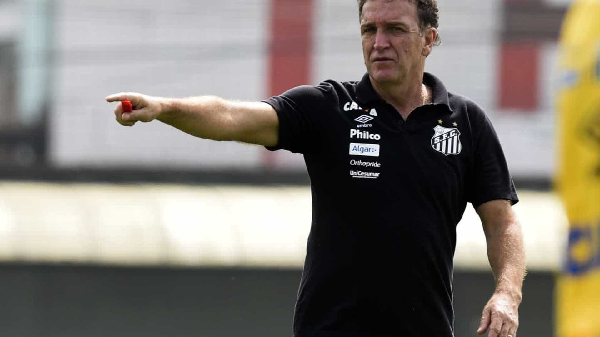 Em Palmeiras x Santos, Cuca defende invencibilidade contra Felipão